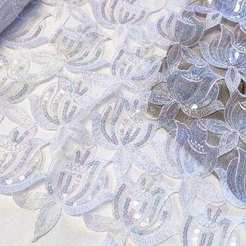 5537 Пухленькие белые тюльпаны с блестками.