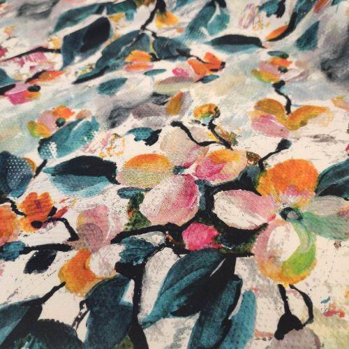 ф5916 Gucci. Яблоневый сад в оранжевых тонах на пиксельной бумаге (100% шелк). Италия.