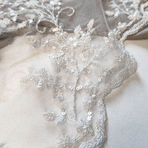 ф0889 Белая Расшитая, Пайетки ткань с багульником