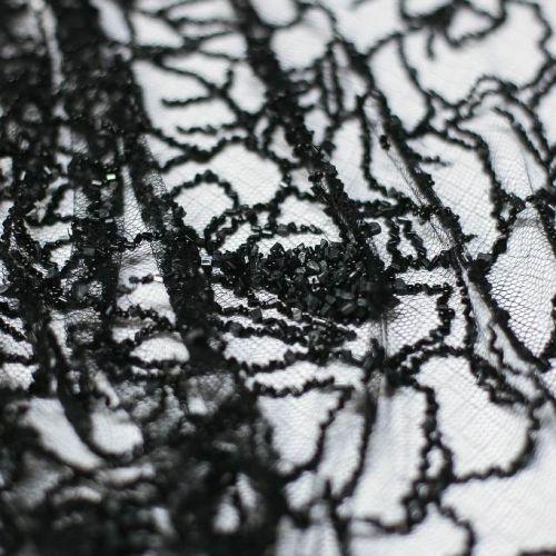 ф0579 Ажур черных бисерных роз с сердцевинками из камушков.