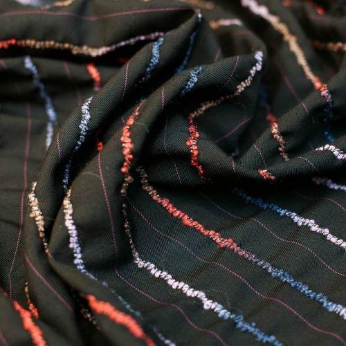 ф0417 Ungaro. Черная ткань с разноцветными вышитыми полосками. (93% шерсть 7% п/эст).