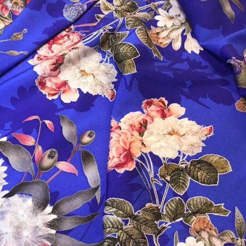 ф5920 Valentino. Одуванчики, эвгалипт и шиповник в небесной синеве (97% шелк, 3% эластан). Италия.