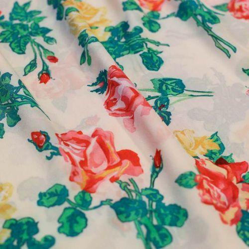 ф5229 Valentino. Красные и желтые южные розы на белом крепдешине. (100% шелк).