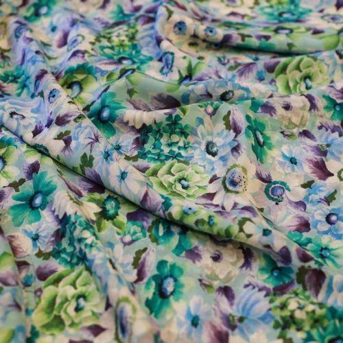 ф5263 Valentino. Бирюзовые, зеленые и голубые густые цветы на крепдешине. (100% шелк).