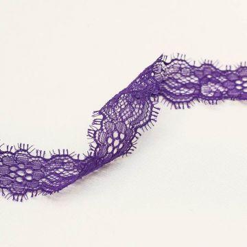 и0026 Узкое фиолетовое кружево с цветочками (100% п/э).