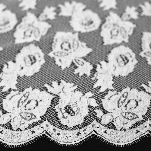 5074а Solstiss. Белое кружево с листьями герани и цветочками (75% виск 25% нейлон)