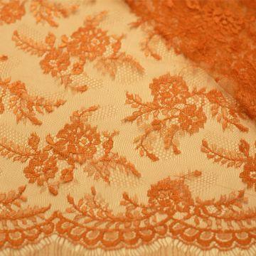 7055 Solstiss. Оранжевое кружево с ветвями роз