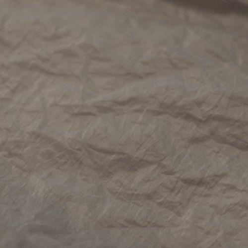 5257 Мятая серо-белая ткань