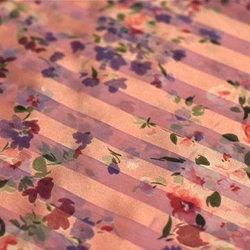 ф1049 Сиреневый душистый горошек на полосато-розовом