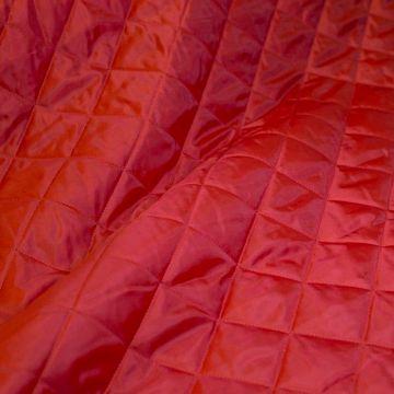 ф4876 Красная стеганая ткань (100% п/эстер). Италия.