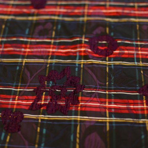 7703 Лилово-красная шотландка с вышивкой