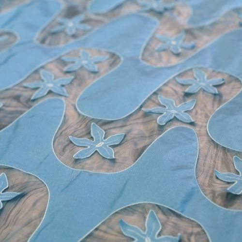 1743 Aldo Bianchi. Голубые волны на голубом.